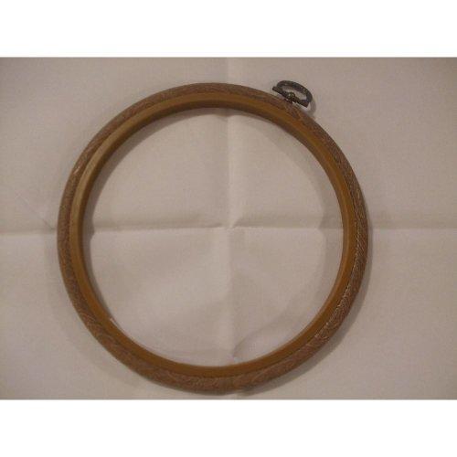 "Siesta 4"" Round Plastic Flexi Hoop - Woodgrain Effect"